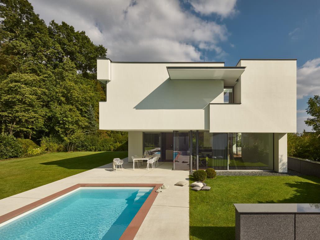 Brenner Architekten Stuttgart Haus Am Wald Modernes Gebäude Für Privat Pool  Swimmingpool Futuristisch