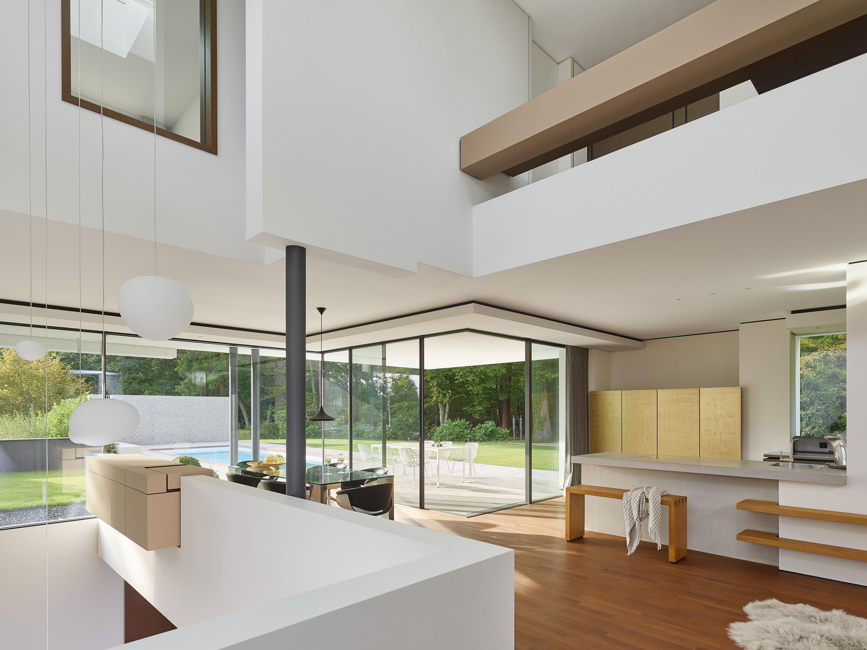 Alexander Brenner Architekten Stuttgart neues Projekt Haus am Wald Schätz Inneneinrichtung hell Revolution E Hummel Systemhaus