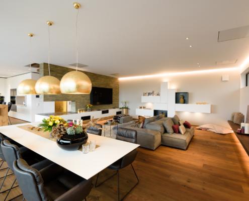 Smart Home Gebäudeautomation Wohnhaus Villa