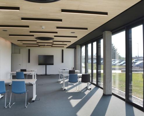 Besprechungsraum, Konferenzsaal, Fensterfront, automatische Verdunklung